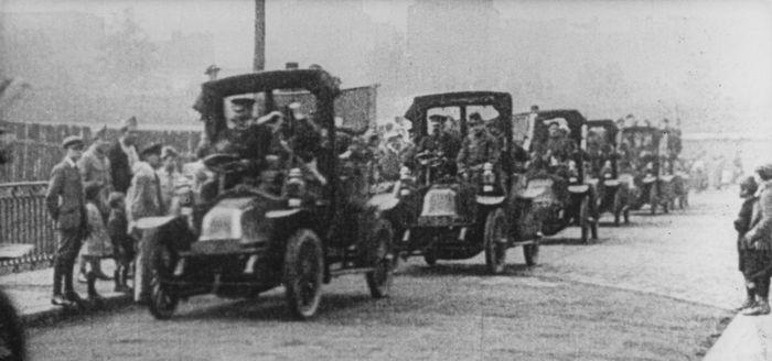2. Renault adapte ses usines pour l'effort de guerre (1914-1918)