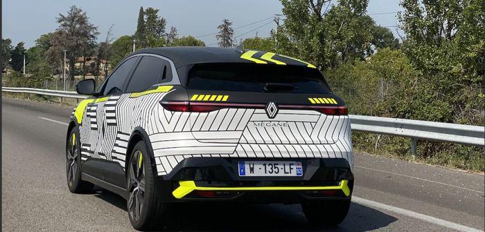 Renault Mégane E-Tech Electric (2022): le prototype aperçu dans le sud